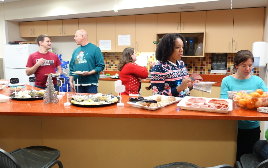 """MITM 2015 """"Ugly sweater"""" Christmas party"""