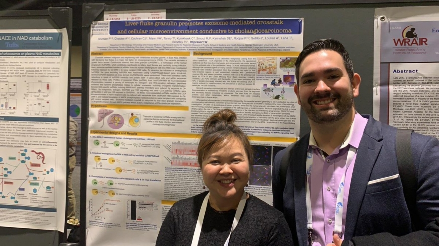 Drs. Wannaporn Ittiprasert (MITM) and Thiago Pereira at the 68th Meeting of the American Society of Tropical Medicine & Hygiene