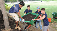 students participate in Community Service