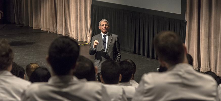 Dr. Fauci talks to students at HIV Intersessions lecture