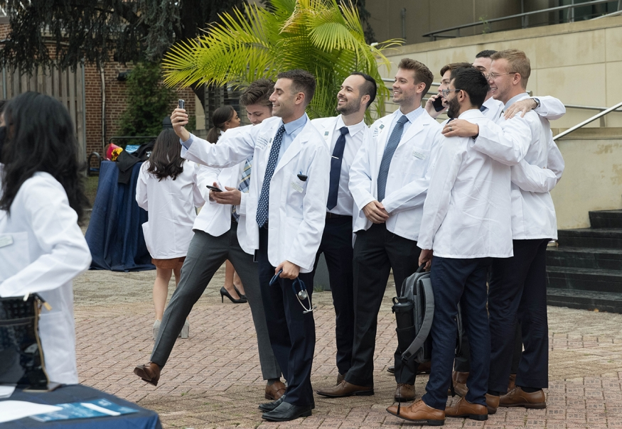 First-year MD students take a group selfie