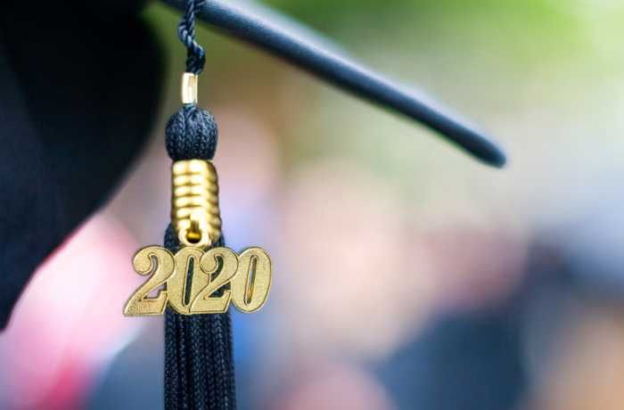 Graduation tassle with 2020 on it.